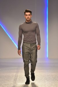 Classy turtleneck which is must have for every man who like to look sophisticated.
